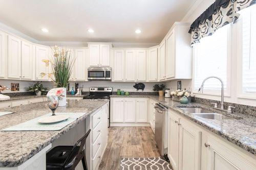 Kitchen-in-GASTON MANOR M022X-at-Clayton Homes-Roxboro-in-Roxboro