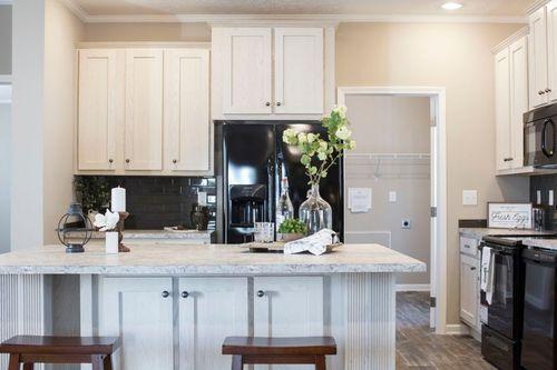 Kitchen-in-3338 HERITAGE-at-Clayton Homes-Reidsville-in-Reidsville