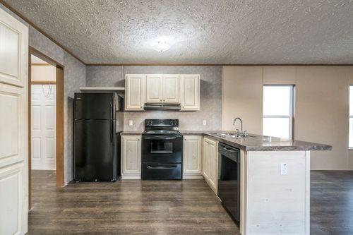 Kitchen-in-ECLIPSE 60-at-Clayton Homes-Harrisonburg-in-Harrisonburg