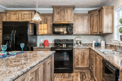 Kitchen-in-5607 ENTERPRISE 7228-at-Clayton Homes-Christiansburg-in-Christiansburg