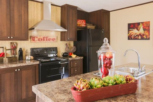 Kitchen-in-THE BREEZE-at-Clayton Homes-Ocala-in-Ocala