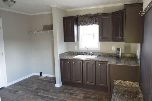 Kitchen-in-5804-H8 ENTERPRSE 4 64X32 8'FL-at-Clayton Homes-Elizabeth City-in-Elizabeth City