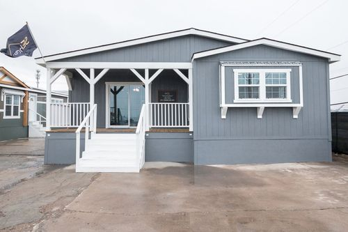 Front-Porch-in-THE LITTLEFIELD-at-Clayton Homes-Mabank-in-Mabank