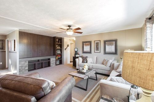 Greatroom-in-TRADITION 56C-at-Clayton Homes-Belpre-in-Belpre