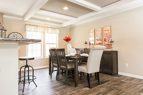 Dining-in-VERSAILLES-at-Clayton Homes-Middlesboro-in-Middlesboro