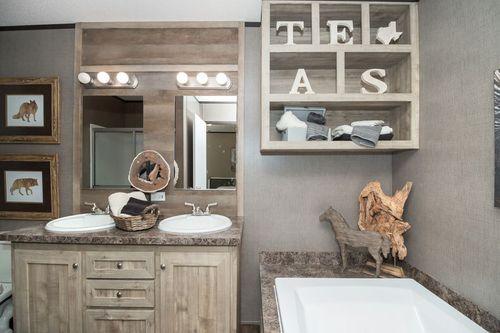 Bathroom-in-ANNIVERSARY 16682A-at-Clayton Homes-Abilene-in-Abilene