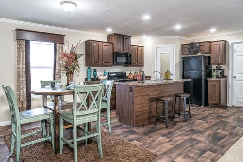 Kitchen-in-SUNDANCE 48B-at-Clayton Homes-Tazewell-in-Tazewell