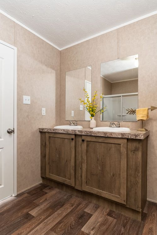 Bathroom-in-THE EAGLE 52-at-Clayton Homes-Corbin-in-Corbin