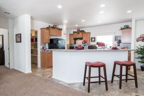 Kitchen-in-KS2760A-at-Clayton Homes-Snowflake-in-Snowflake