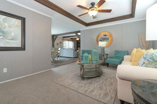 Greatroom-in-BLACKJACK-at-Clayton Homes-Sweetwater-in-Sweetwater