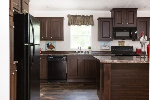 Kitchen-in-FALCON 56B-at-Oakwood Homes-Powell-in-Powell