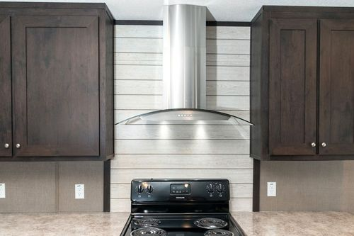 Kitchen-in-ANNIVERSARY 16763I-at-Clayton Homes-Killeen-in-Killeen