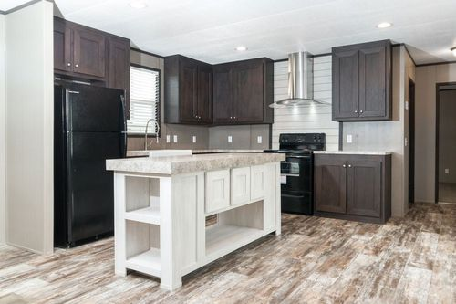 Kitchen-in-ANNIVERSARY 16763I-at-Oakwood Homes-Las Cruces-in-Las Cruces