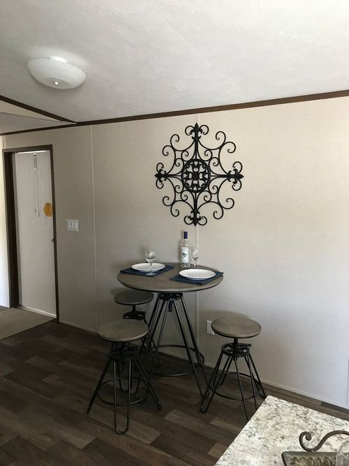 Dining-in-DELIGHT-at-Clayton Homes-Effingham-in-Teutopolis