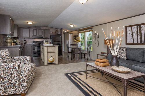 Greatroom-and-Dining-in-BLAZER EXTREME 76 D-at-Clayton Homes-Thibodaux-in-Thibodaux