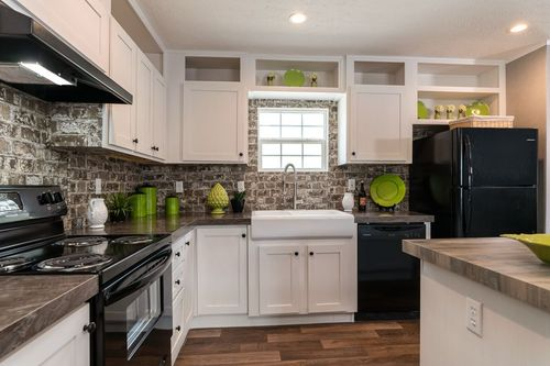 Kitchen-in-TRADITION 56D-at-Clayton Homes-Louisa-in-Louisa