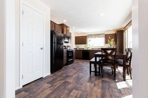 Kitchen-in-POWER PLAY 48 (R)-at-Clayton Homes-Cayce-in-Cayce