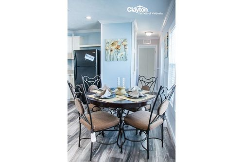 Breakfast-Room-in-THE CINNAMON CAY-at-Clayton Homes-Valdosta-in-Valdosta