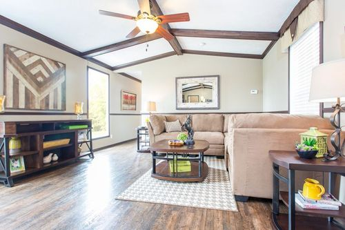 Greatroom-in-THE OAKLAWN-at-Clayton Homes-Tyler-in-Tyler
