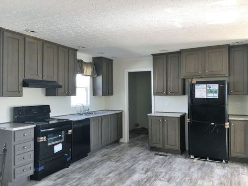 Kitchen-in-CLASSIC 56D-at-Clayton Homes-Belpre-in-Belpre