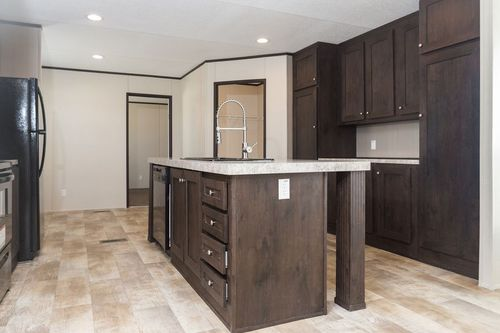 Kitchen-in-ANNIVERSARY 16763S-at-Clayton Homes-Cleveland-in-Cleveland