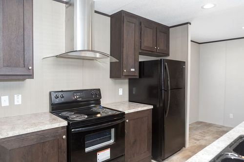 Kitchen-in-ANNIVERSARY 16763S-at-Clayton Homes-Palestine-in-Palestine