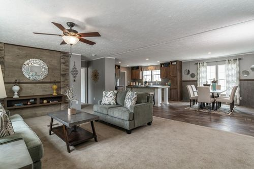 Greatroom-and-Dining-in-TRADITION 3268B-at-Clayton Homes-Evansville-in-Evansville