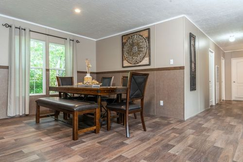 Dining-in-TRADITION 3268B-at-Clayton Homes-Evansville-in-Evansville