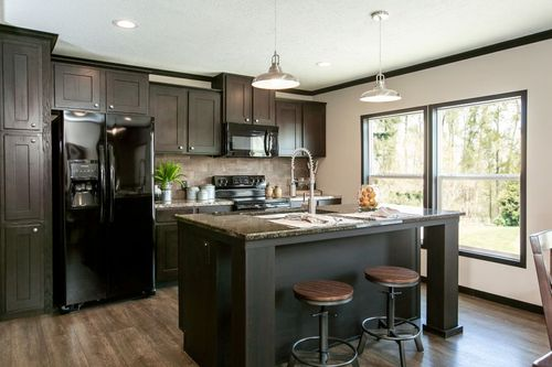 Kitchen-in-THE FRANKLIN-at-Clayton Homes-Albertville-in-Albertville