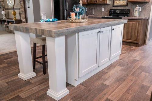 Wet-Bar-in-TRADITION 3268B-at-Clayton Homes-Corinth-in-Corinth