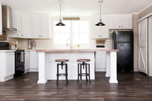 Kitchen-in-ISLAND BREEZE-at-Clayton Homes-Corbin-in-Corbin