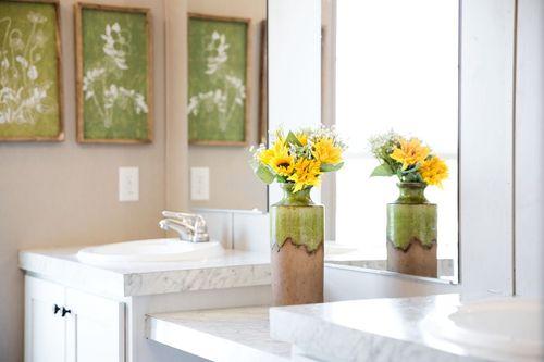 Bathroom-in-ISLAND BREEZE-at-International Homes-Middlesboro-in-Middlesboro