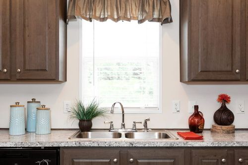 Dining-in-CLASSIC 56G-at-Clayton Homes-Decatur-in-Decatur