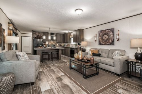 Greatroom-and-Dining-in-VISION EXTREME 76 D-at-Oakwood Homes-Powell-in-Powell