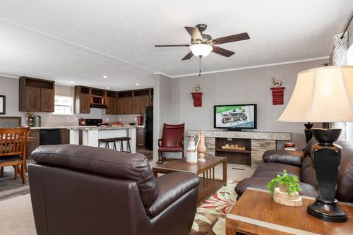 Greatroom-and-Dining-in-TRADITION 52B-at-Clayton Homes-Owensboro-in-Owensboro