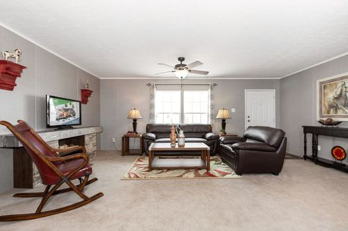 Greatroom-in-TRADITION 52B-at-Clayton Homes-Owensboro-in-Owensboro