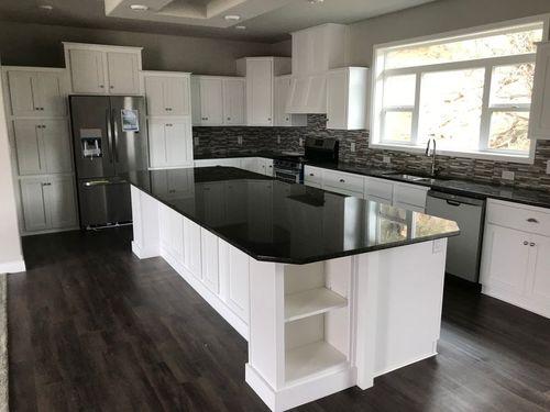 Kitchen-in-Hillsdale-at-Clayton Homes-Durango-in-Durango