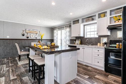Kitchen-in-TRADITION 2868B-at-Clayton Homes-Owensboro-in-Owensboro