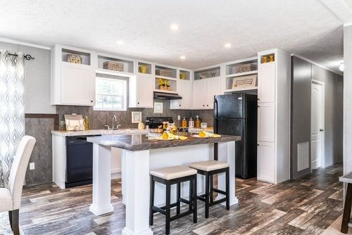 Kitchen-in-TRADITION 2868B-at-Clayton Homes-Candler-in-Candler
