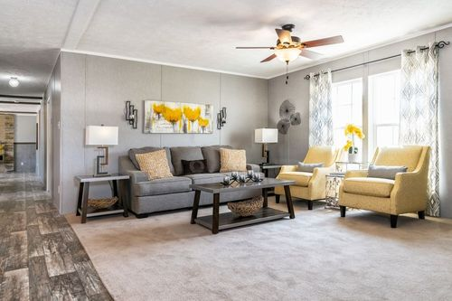 Greatroom-in-TRADITION 2868B-at-Clayton Homes-East Ridge-in-East Ridge