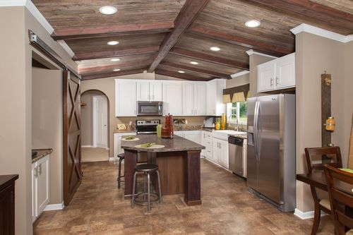 Kitchen-in-THE HOUSTON-at-Clayton Homes-Albertville-in-Albertville