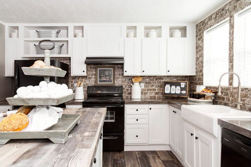 Kitchen-in-TRADITION 76C-at-Clayton Homes-Bowling Green-in-Bowling Green
