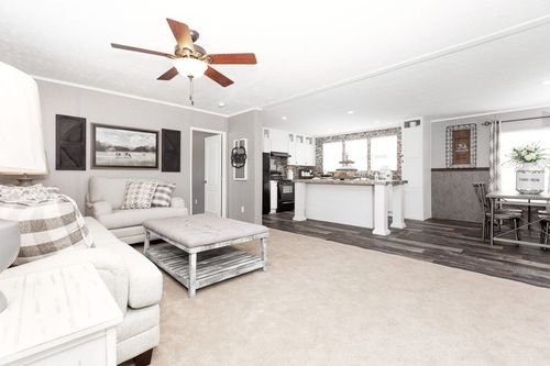 Greatroom-in-TRADITION 76C-at-Clayton Homes-Sweetwater-in-Sweetwater