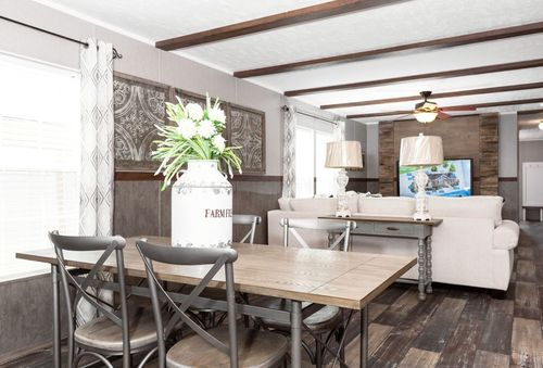 Dining-in-TRADITION 76C-at-Luv Homes-Kingsport-in-Kingsport