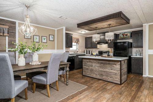 Kitchen-in-FSU-at-Clayton Homes-Valdosta-in-Valdosta