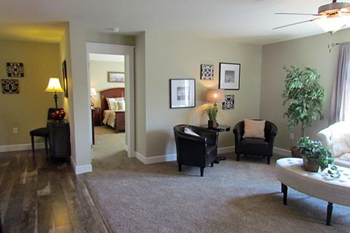 Study-in-Niagara-at-G & I Homes-Frankfort-in-Frankfort