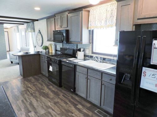 Kitchen-in-Hudson 80S453 - Sale Pending-at-G & I Homes-Oneonta-in-Oneonta