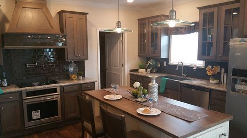 Kitchen-in-2085 76X32 CK4+2 HERITAGE-at-Clayton Homes-Florence-in-Florence