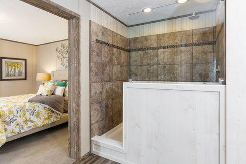 Bathroom-in-REVOLUTION 60-at-International Homes-Middlesboro-in-Middlesboro