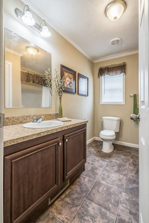 Bathroom-in-2371 VINTAGE PREMIER 7628-at-Clayton Homes-Fredericksburg-in-Fredericksburg